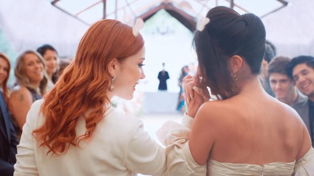 Casamento Camila e Valéria em Órfãos da Terra