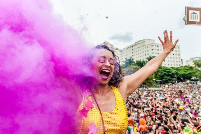 Então Brilha – Bloco Carnavalesco de Belo Horizonte.