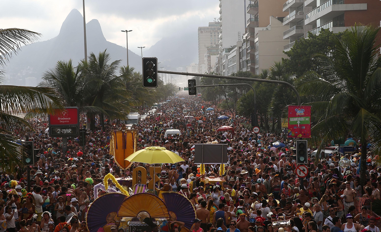 Multidão no Carnaval de rua do Rio de Janeiro