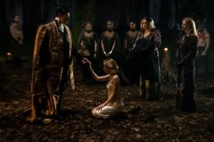 Sabrina no Batismo das Trevas em O Mundo Sombrio de Sabrina, nova série da Netflix
