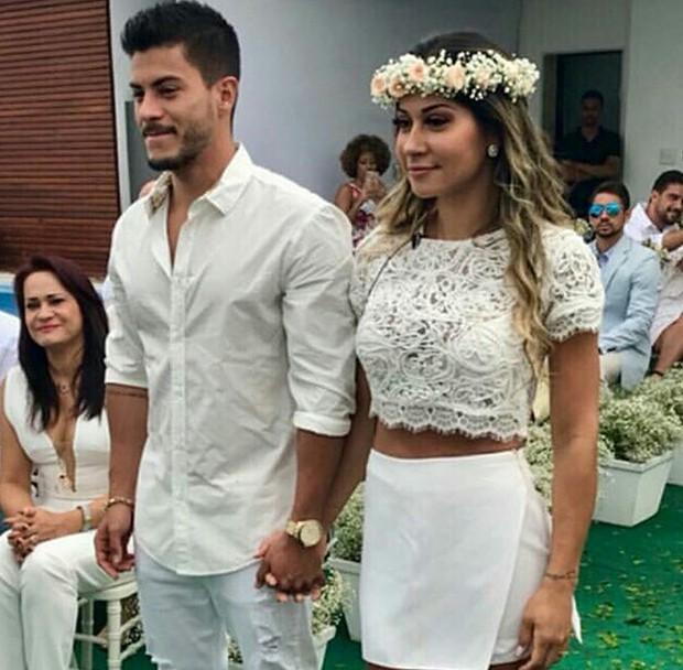 Casamento surpresa Mayra Cardi Arthur Aguiar