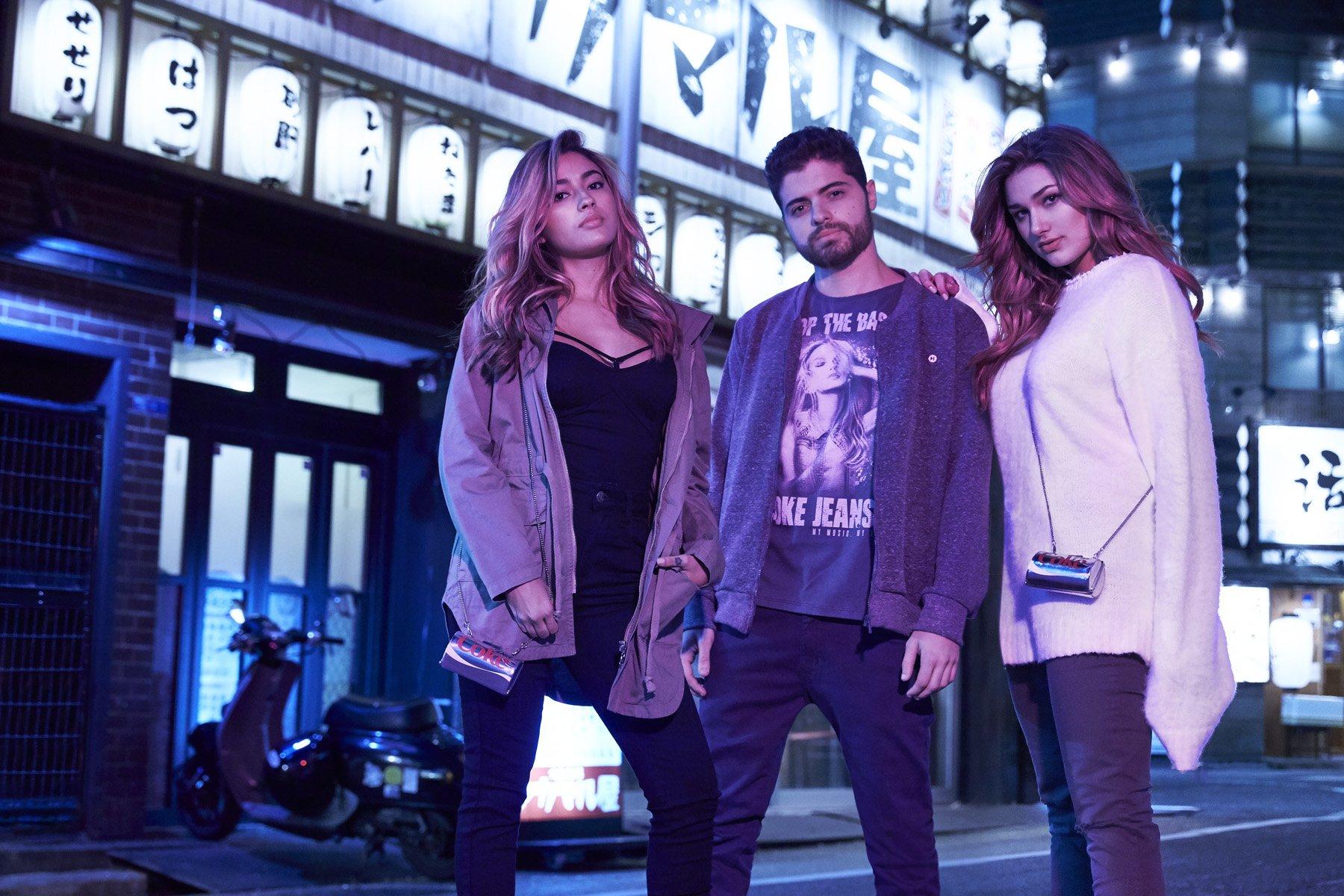 Sasha veste suas criações para Coca Cola Jeans