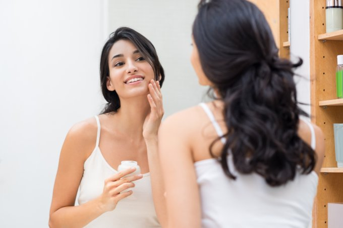 Como cuidar da parte oleosa da pele mista