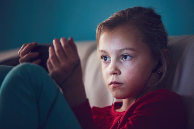 Como diminuir o tempo de tablet da criança