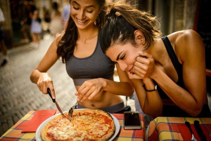 Como equilibrar atividades físicas e alimentação sem exageros
