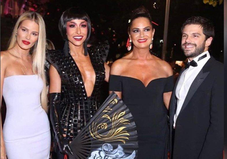 Yasmin Brunet, Sabrina Sato, Luiza Brunet e Duda Nagle