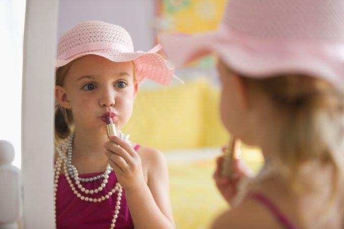 Crianças podem usar maquiagem
