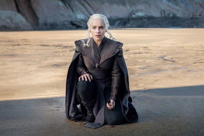 daenerys targaryen chega a pedra do dragao em game of thrones