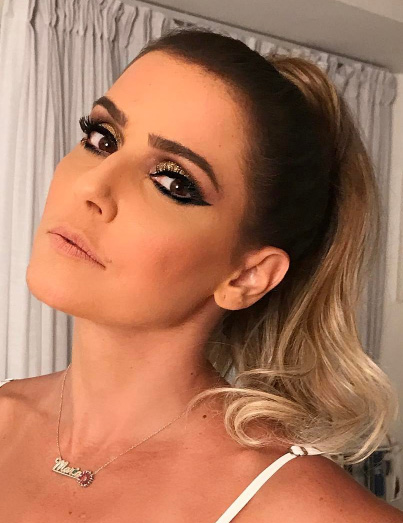 Deborah Secco com beleza de Lucas Vieira