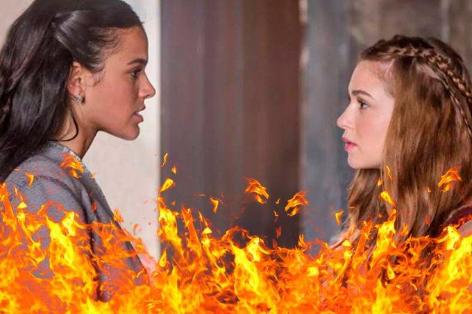 Resumo Deus Salve o Rei, Amália e Catarina brigando