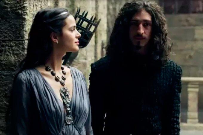 Resumo Deus Salve o Rei, Rodolfo e Catarina
