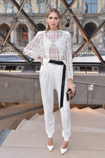 Elena Perminova no desfile da Louis Vuitton