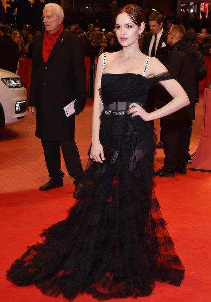 <strong>Emilia Schuele</strong> veste<strong> Dior</strong> na première de<em> Django</em>.