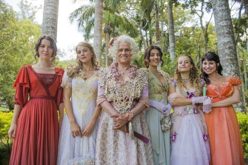 Elisabeta é irmã de Jane (Pamela Tomé), Cecilia (Ana Julia Dorigon), Lidia (Bruna Griphão) e Mariana (Chandelly Braz). (Foto: João Miguel Júnior/Gshow
