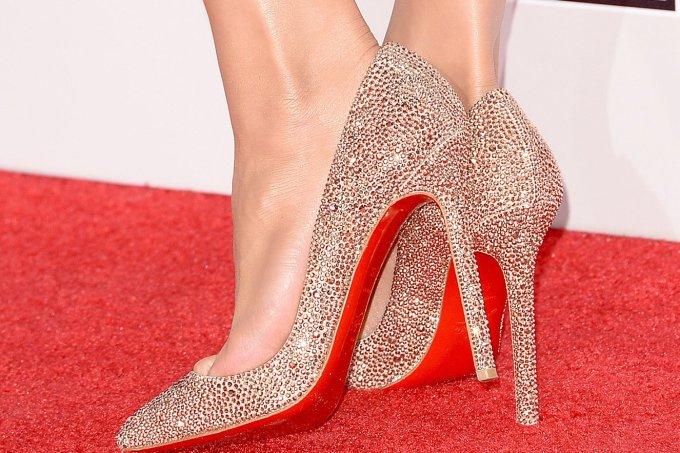 famosas-que-usam-sapatos-christian-louboutin_20-1