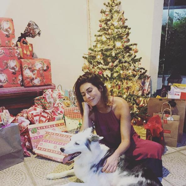 Fernanda Paes Leme posou com seu cachorrinho