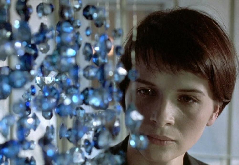 Filmes sobre depressão - A Liberdade É Azul