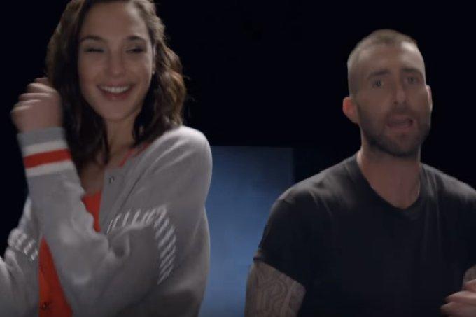 Gal Gadot e Adam levine em clipe do Maroon 5