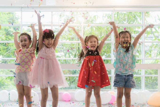 Crianças celebrando o Carnaval