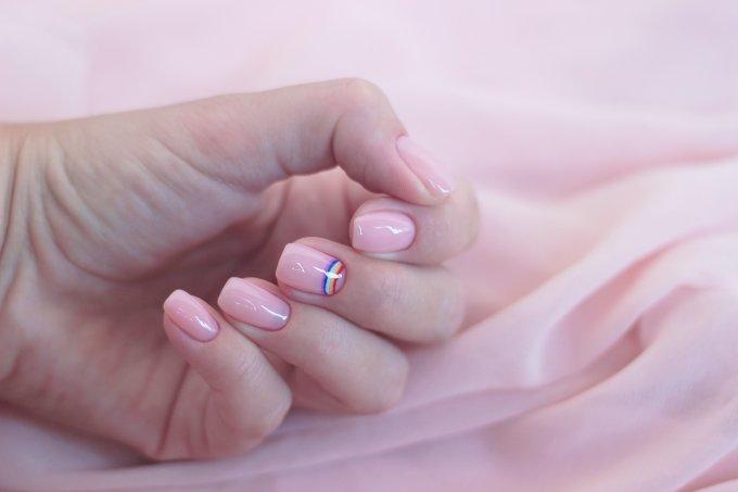 unhas-de-arco-iris-nail-art