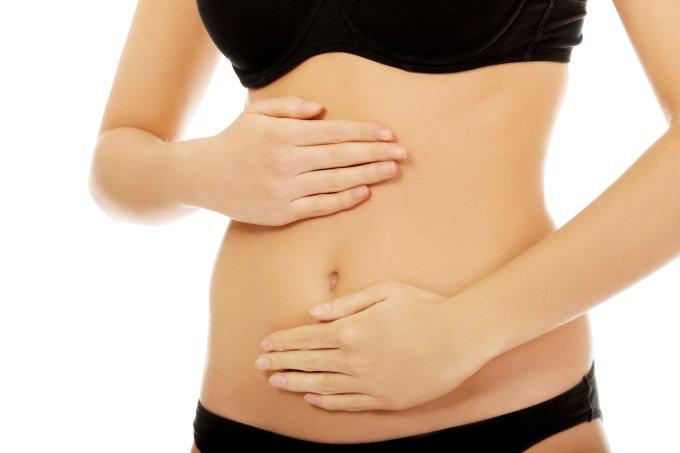 mulher barriga endometriose