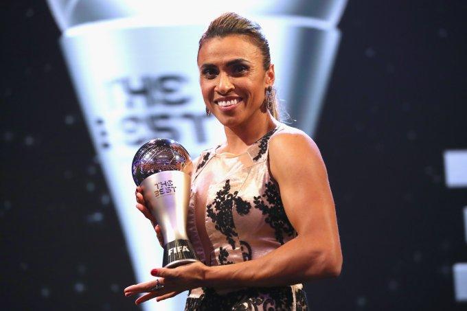 Marta recebeu o prêmio de melhor jogadora do mundo em 2018 no Fifa The Best.