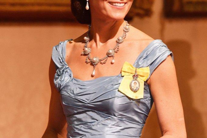 Kate Middleton usando a tiara Lovers Knot