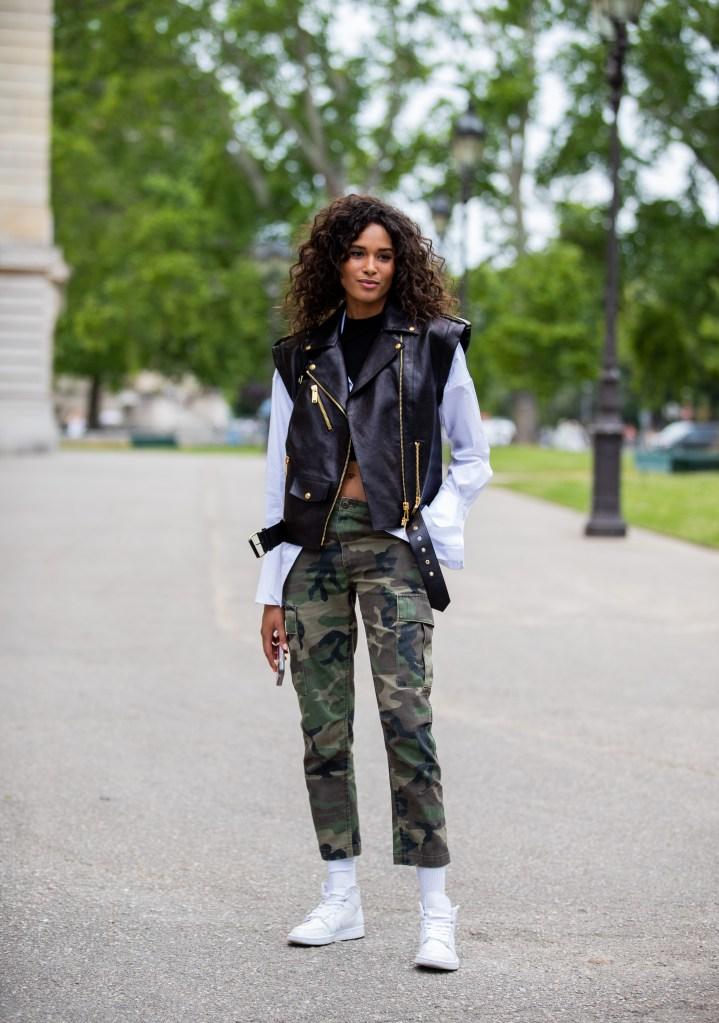 Cindy Bruna- Street Style - Semana de Alta-Costura de Paris 2019/2020