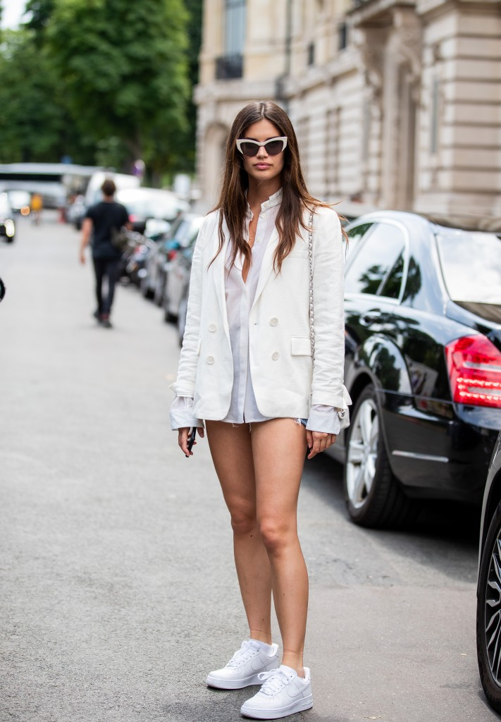 Sara Sampaio- Street Style - Semana de Alta-Costura de Paris 2019/2020