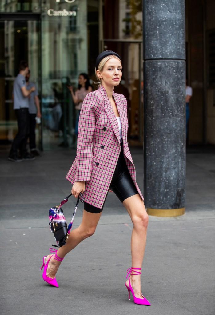 Leonie Hanne- Street Style - Semana de Alta-Costura de Paris 2019/2020