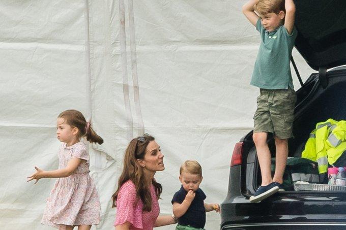 Kate Middleton e seus filhos