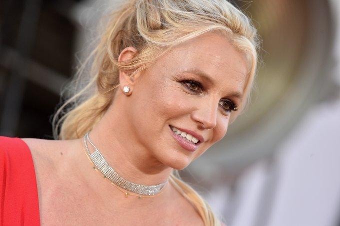 Britney-spears-cabelo-castanho