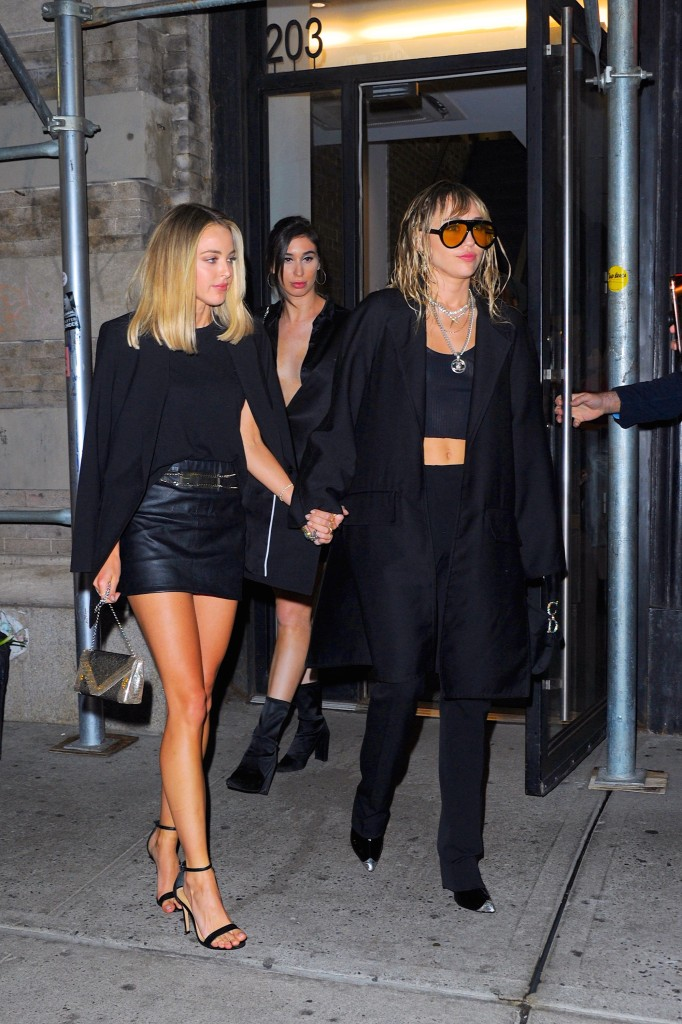 Kaitlynn Carter e Miley Cyrus