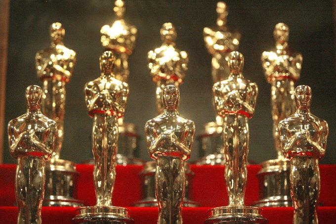 Estatuetas do Oscar para falar sobre a nova categoria de premiações