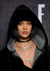 Rihanna - FENTY PUMA