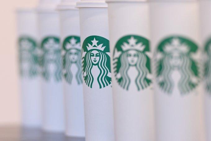Starbucks vai dar café de graça nesta terça-feira
