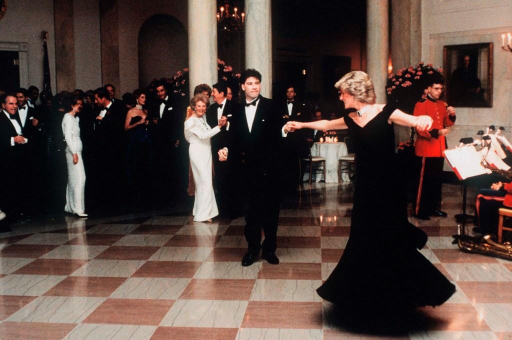 Princesa Diana dança com John Travolta