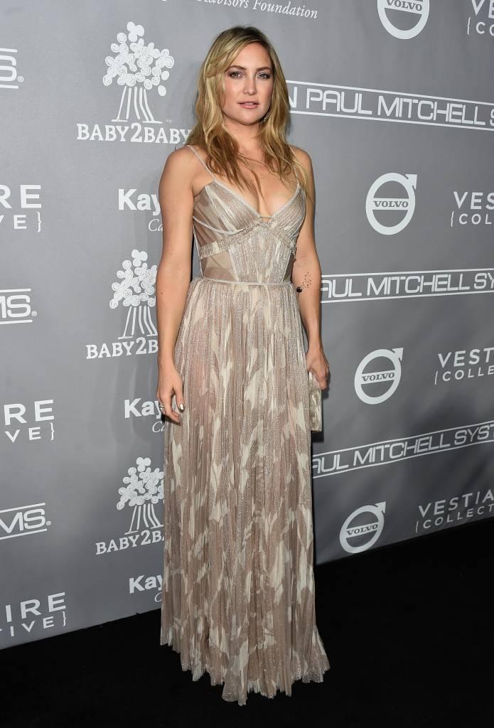 Kate Hudson no Baby2Baby Gala