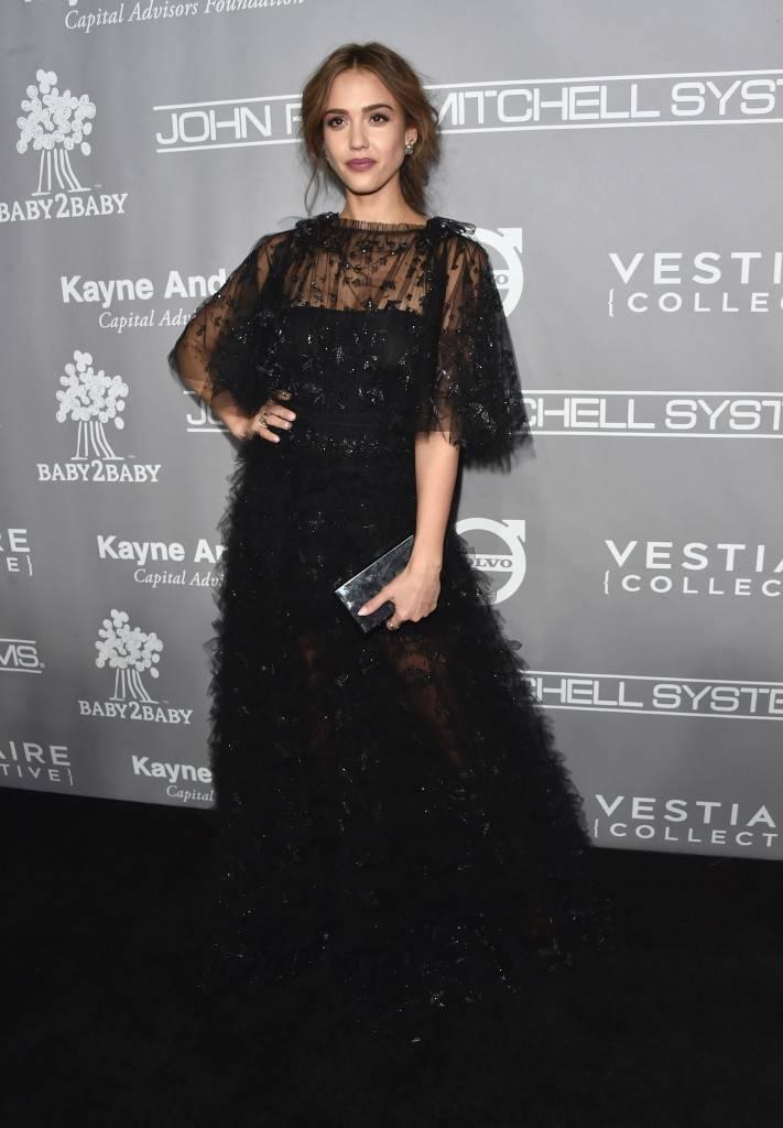 Jessica Alba no Baby2Baby Gala - Arrivals