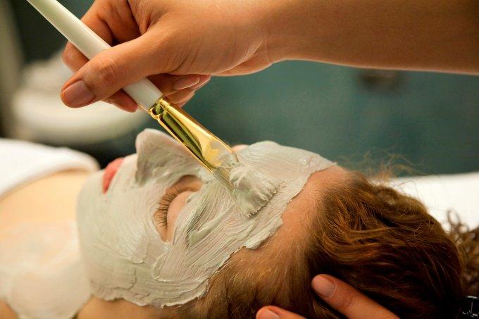 Benefícios da argila para a sua pele: saiba qual tipo usar de acordo com as suas necessidades