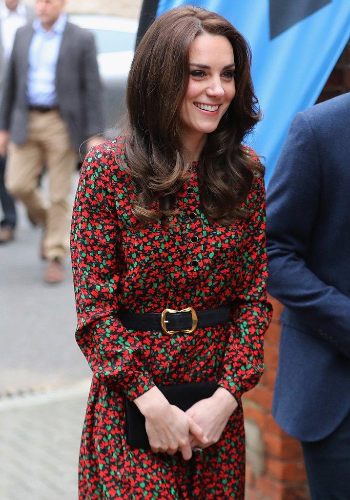 Kate Middleton vestido estampado vermelho e verde