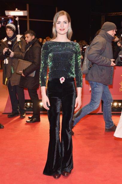 A atriz<b> Hannah Hoekstra</b> na première de <i>The Party</i>.