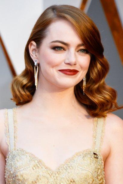 Como não lembrar do ruivo acobreado que Emma estava, quando recebeu sua estatueta do Oscar por seu papel em <em>La La Land</em>?