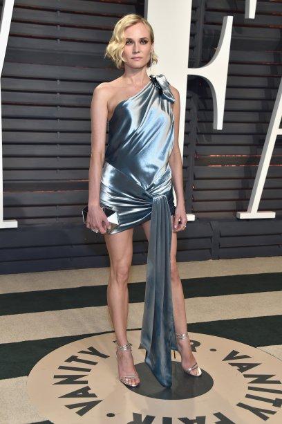 Um look um pouco mais ousado: vestido Alexandre Vautier Couture, na edição 2017 da tradicional festa promovida pela revista Vanity Fair na noite do Oscar.