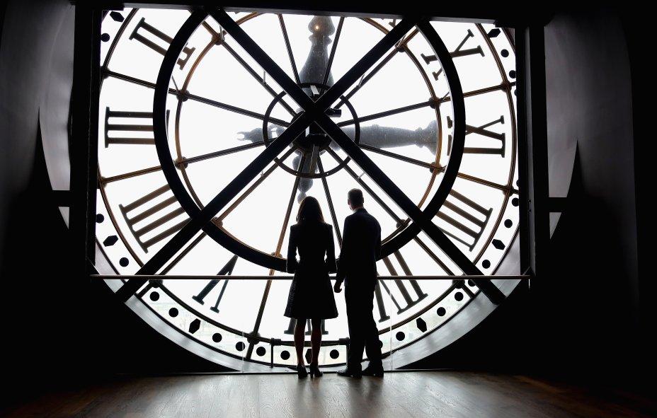 <span>Além de irem ao Museu d'Orsay nesse sábado (18), William e Kate também foram ao hospital militar Les Invalides.</span>