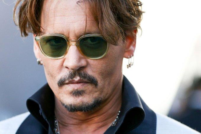 Johnny Depp é acusado de espancar a ex-mulher Amber Heard