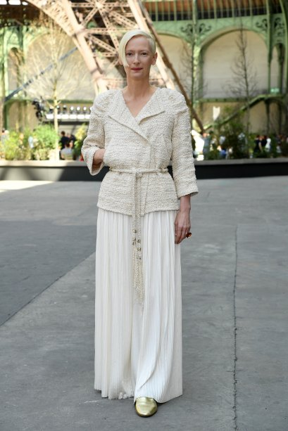 <strong>Tilda Swinton</strong> no desfile da <strong>Chanel</strong>.