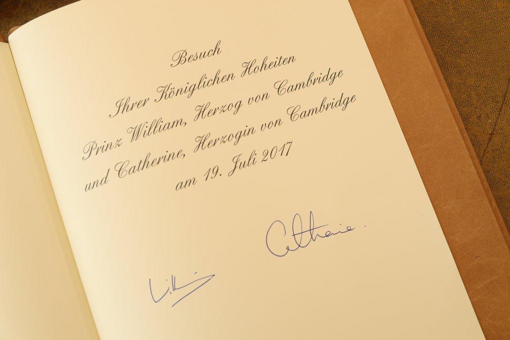 As assinaturas de Kate e Wiiliam