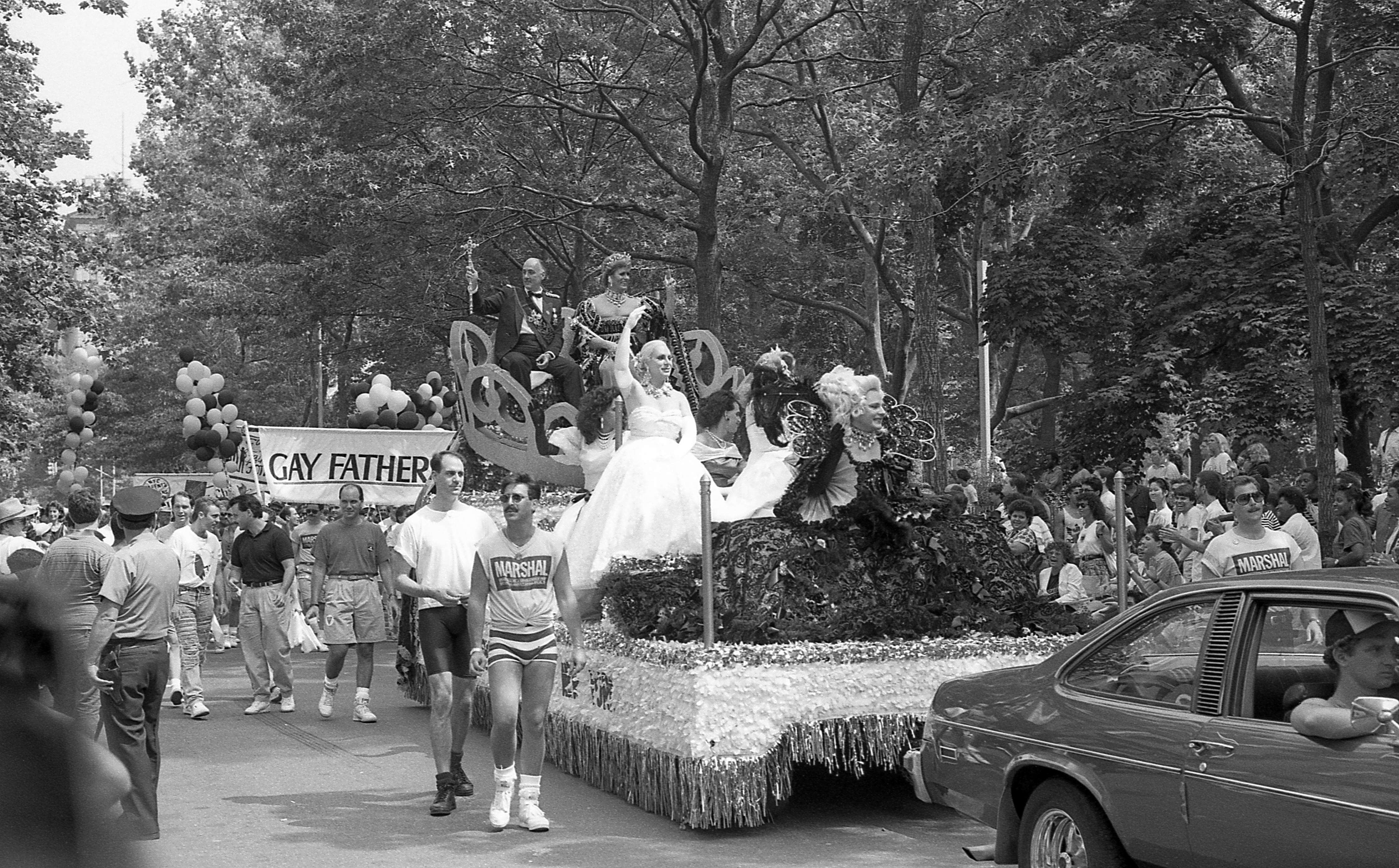 Desfile LGBT em Nova York, em 1989, em comemoração ao 20º aniversário do conflito de Stonewall.