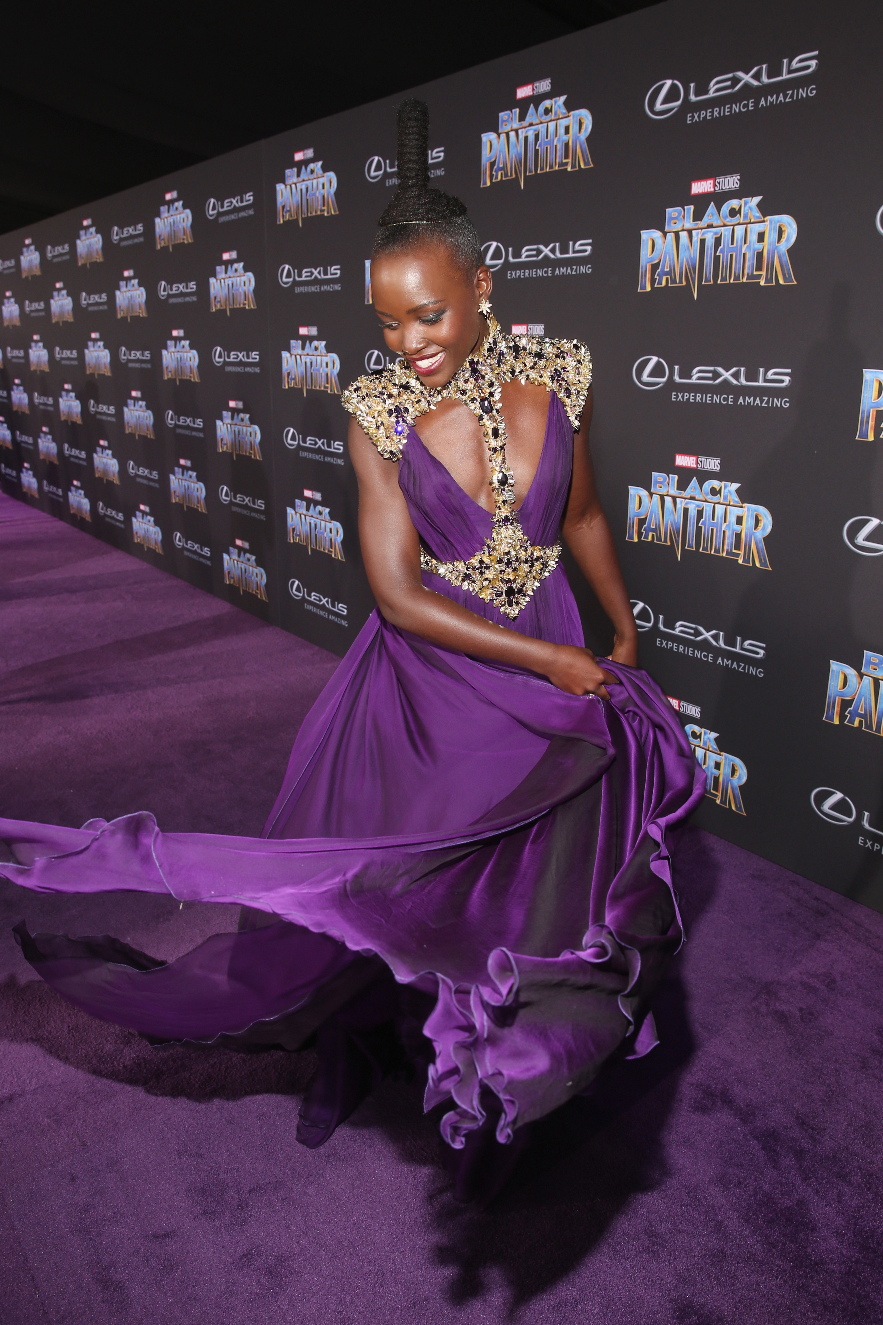 """Lupita Nyong'o no lançamento mundial do filme """"Pantera Negra"""""""